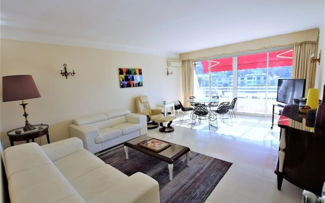 Fully Equipped Appartment 100 m2 Clear View on the sea and Californie Hills 2