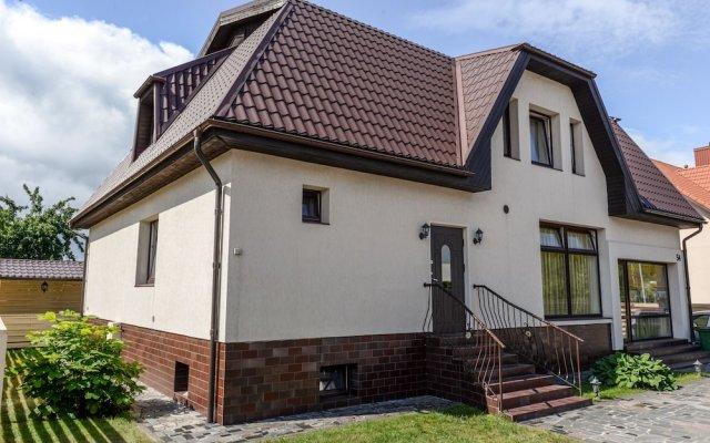 Отель Columba Livia Guesthouse Литва, Паланга - отзывы, цены и фото номеров - забронировать отель Columba Livia Guesthouse онлайн вид на фасад