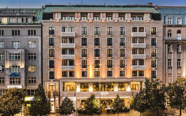 Отель JALTA Прага вид на фасад
