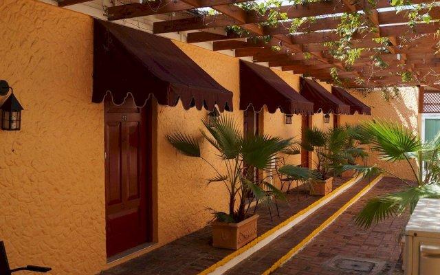 Hotel Four Seasons Кингстон вид на фасад