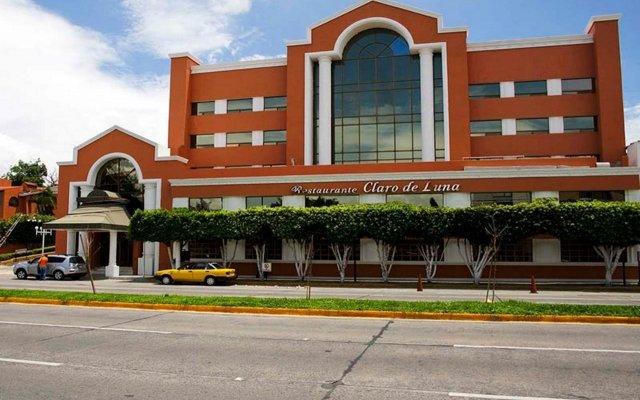 Отель Country Plaza Guadalajara вид на фасад