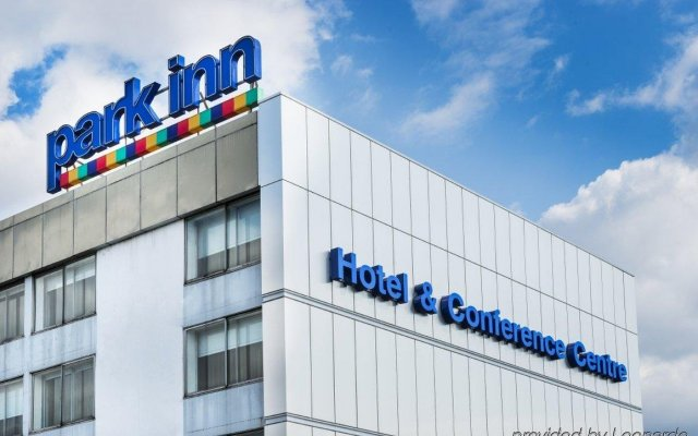 Park Inn By Radisson Hotel And Conference Centre Heathrow Лондон вид на фасад