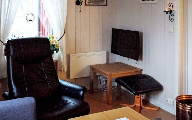 6 Person Holiday Home in Vevelstad