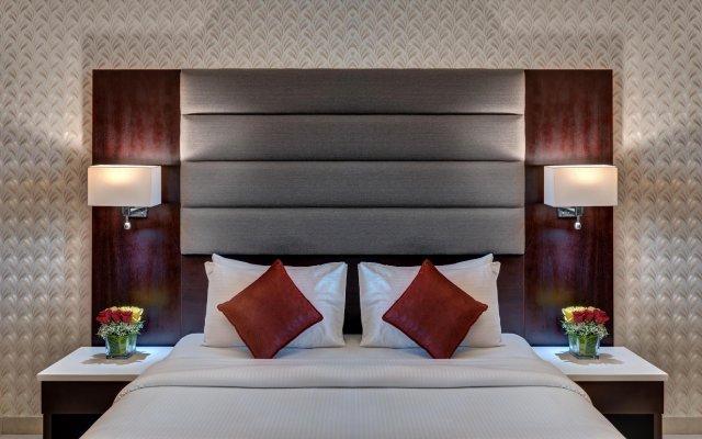 Emirates Grand Hotel Apartments Дубай вид на фасад
