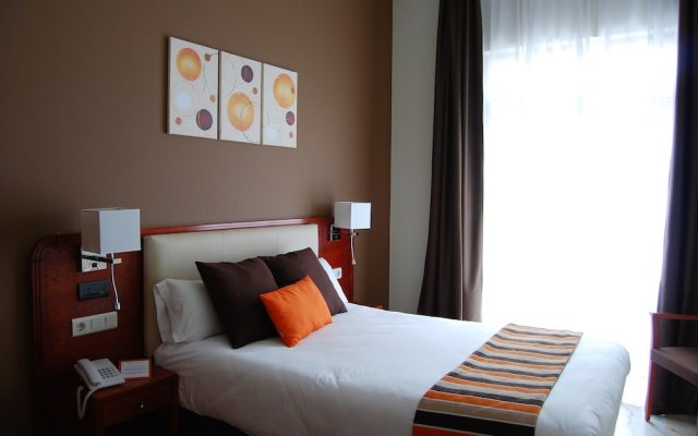 Отель La Anunciada Испания, Байона - отзывы, цены и фото номеров - забронировать отель La Anunciada онлайн комната для гостей