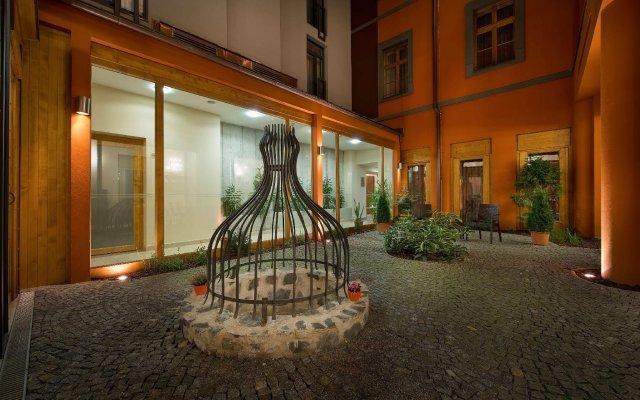 Отель Ea Embassy Прага вид на фасад