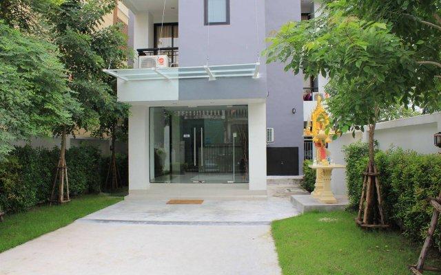 Utd Aries Hotel & Residence Бангкок вид на фасад