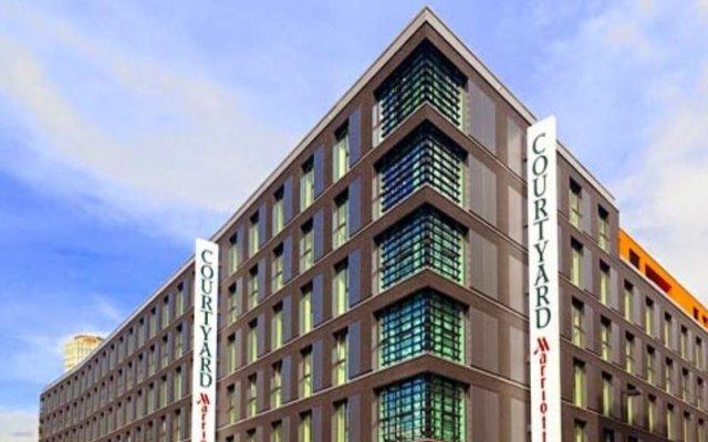 Отель Courtyard by Marriott Cologne Кёльн вид на фасад