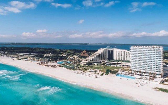 Отель Coral Level at Iberostar Selection Cancun пляж