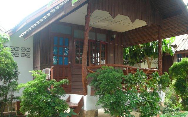 Отель Palm Point Village вид на фасад