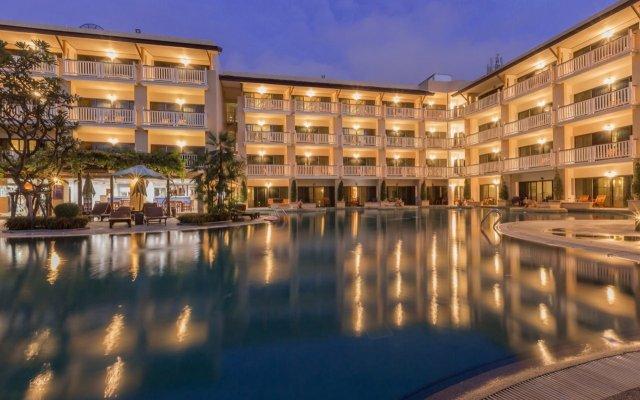 Отель Thara Patong Beach Resort & Spa Таиланд, Пхукет - 7 отзывов об отеле, цены и фото номеров - забронировать отель Thara Patong Beach Resort & Spa онлайн вид на фасад