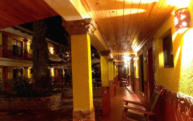 Отель Plaza Mexicana Margaritas вид на фасад