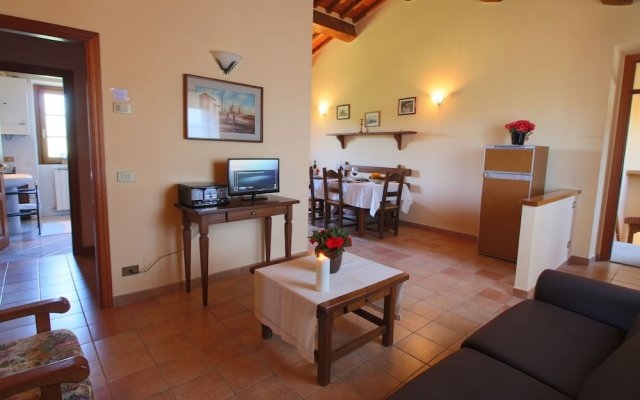 Отель Elegant Farmhouse in Campriano With Swimming Pool Ареццо