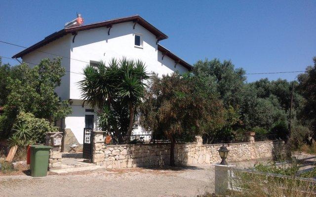 Отель Beyaz Ev Pansiyon вид на фасад
