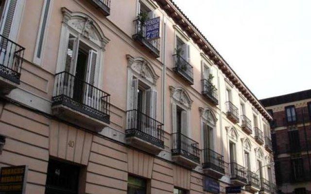 Отель Pensin Salom вид на фасад