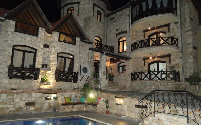 The Stone Castle Boutique Hotel вид на фасад