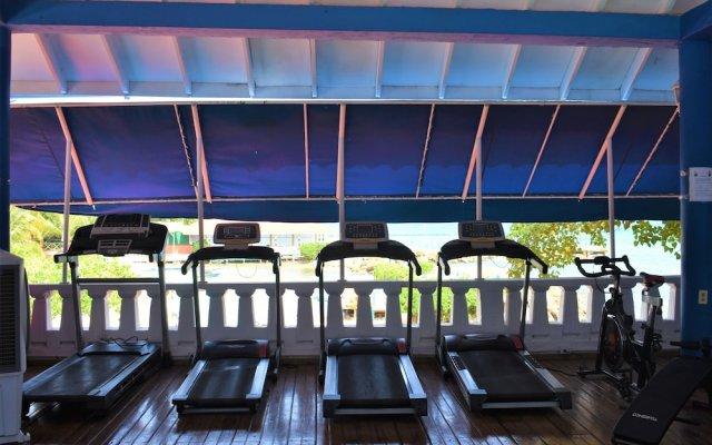 Отель Franklyn D. Resort & Spa All Inclusive Ямайка, Ранавей-Бей - отзывы, цены и фото номеров - забронировать отель Franklyn D. Resort & Spa All Inclusive онлайн вид на фасад