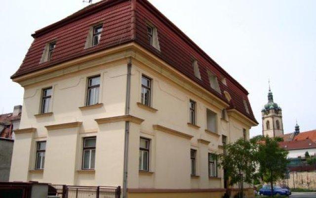 Hotel Jaro Мельник вид на фасад
