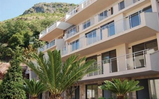 Отель Blue Horizon Apartments Черногория, Будва - отзывы, цены и фото номеров - забронировать отель Blue Horizon Apartments онлайн вид на фасад