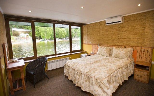 Гостиница Малибу комната для гостей