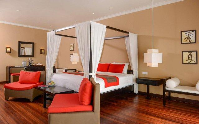 Отель Adaaran Select Hudhuranfushi Остров Гасфинолу комната для гостей