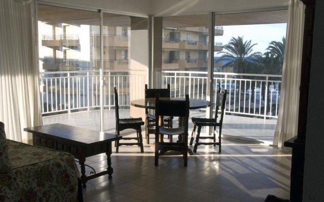 Отель Apartamentos Santa Rosa / Pinar / Meritxell Испания, Салоу - отзывы, цены и фото номеров - забронировать отель Apartamentos Santa Rosa / Pinar / Meritxell онлайн