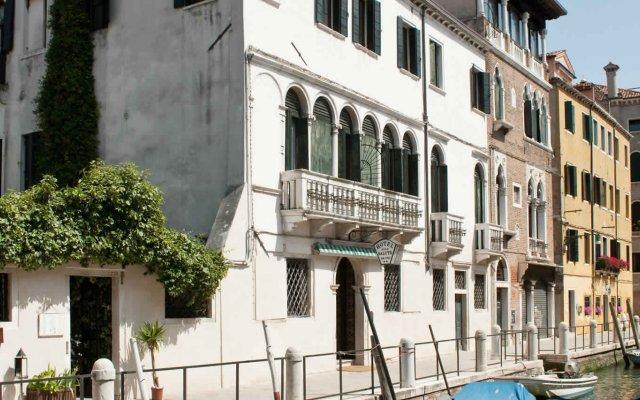 Отель Easy Hostel Venice Италия, Венеция - отзывы, цены и фото номеров - забронировать отель Easy Hostel Venice онлайн вид на фасад