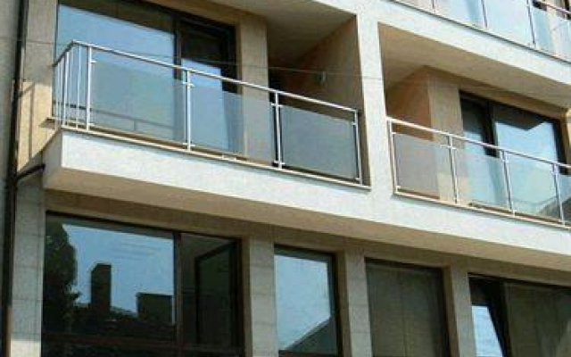 Arte Apartment House