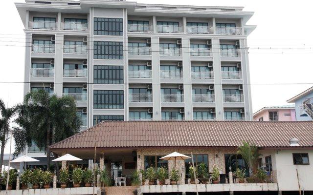 Отель Golden Foyer Suvarnabhumi Airport Hotel Таиланд, Бангкок - отзывы, цены и фото номеров - забронировать отель Golden Foyer Suvarnabhumi Airport Hotel онлайн вид на фасад