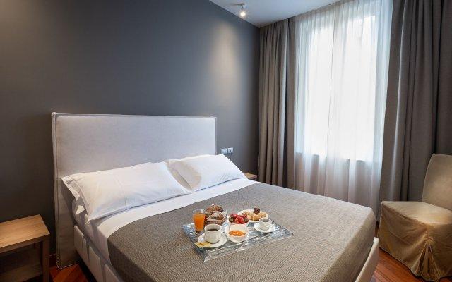 Отель HNN Luxury Suites Италия, Генуя - отзывы, цены и фото номеров - забронировать отель HNN Luxury Suites онлайн вид на фасад