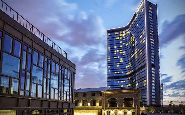 Hilton Istanbul Bomonti Hotel & Conference Center Турция, Стамбул - 7 отзывов об отеле, цены и фото номеров - забронировать отель Hilton Istanbul Bomonti Hotel & Conference Center онлайн вид на фасад