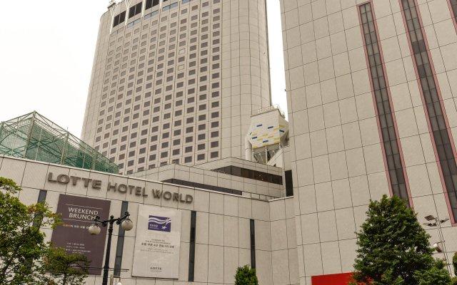 Lotte Hotel World вид на фасад