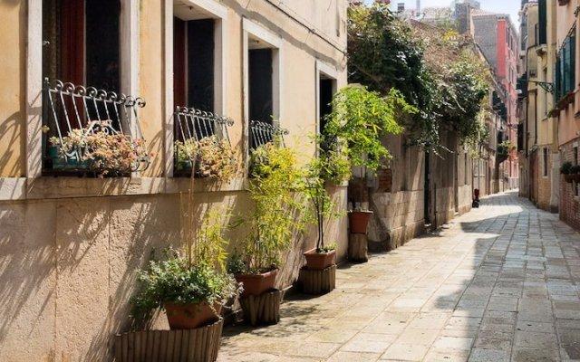 Отель Ca' Bella Италия, Венеция - отзывы, цены и фото номеров - забронировать отель Ca' Bella онлайн вид на фасад