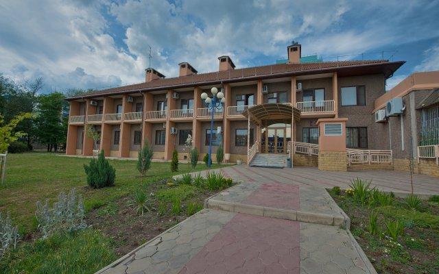 Гостиница Юг вид на фасад