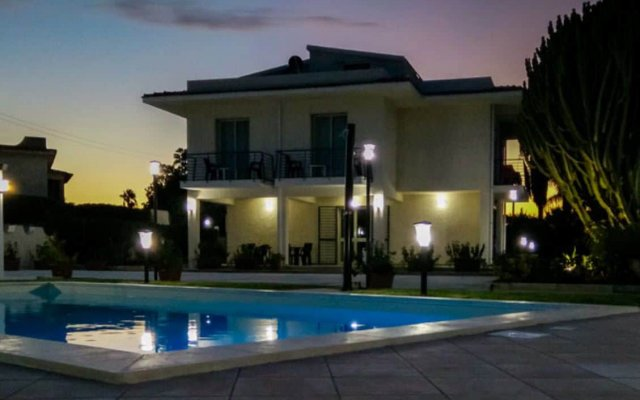 Отель Residence Villa Eva Фонтане-Бьянке вид на фасад