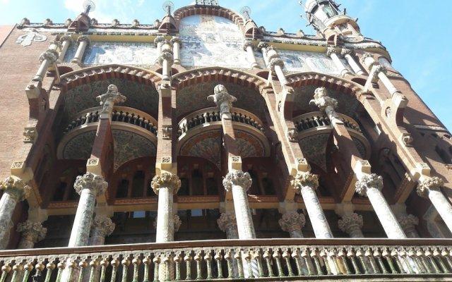 Отель B&b Vistamar Holidays - Adults Only Барселона вид на фасад