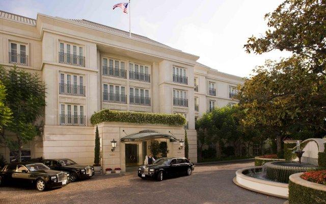 Отель The Peninsula Beverly Hills парковка