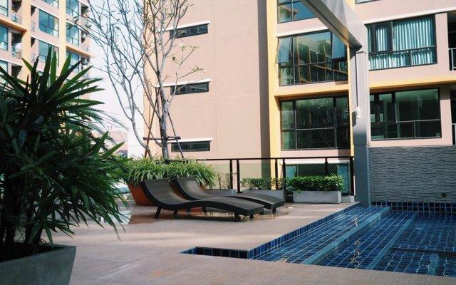 Отель Bright And Cozy Place Near Dmk Airport Бангкок вид на фасад