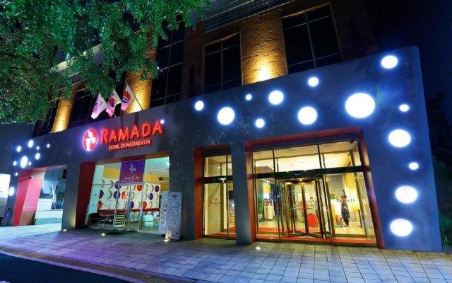 Отель Ramada by Wyndham Seoul Dongdaemun вид на фасад