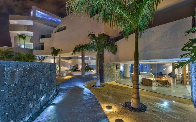 Отель Baobab Suites вид на фасад
