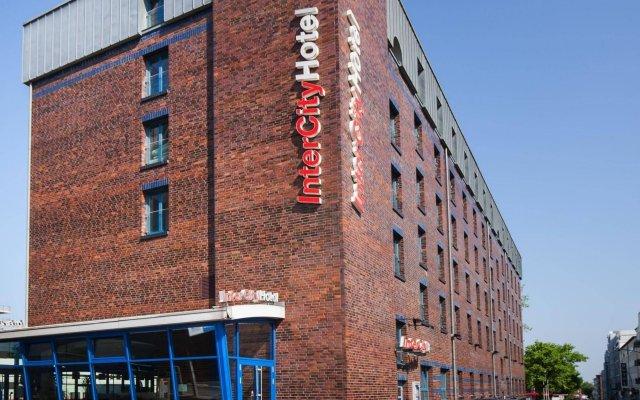 Отель InterCityHotel Hamburg Altona вид на фасад