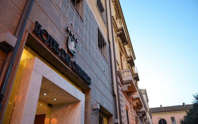 Hotel dei Cavalieri Caserta вид на фасад
