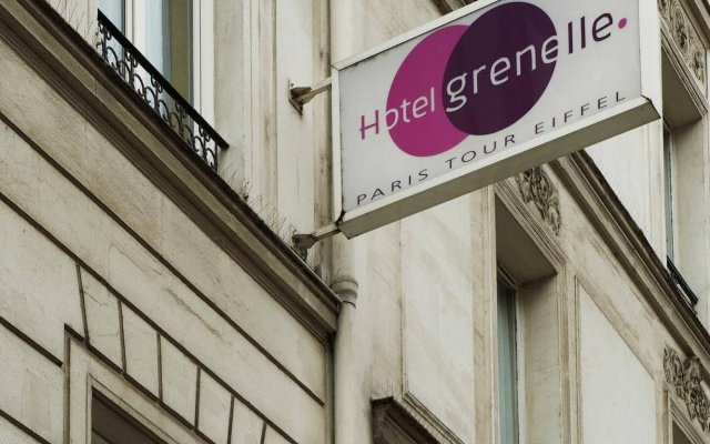 Hotel Grenelle Paris Eiffel Tower Париж вид на фасад