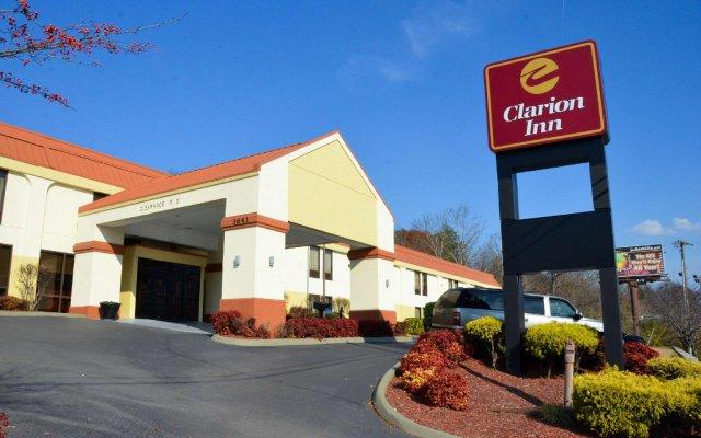 Отель Clarion Inn Chattanooga США, Чаттануга - отзывы, цены и фото номеров - забронировать отель Clarion Inn Chattanooga онлайн вид на фасад