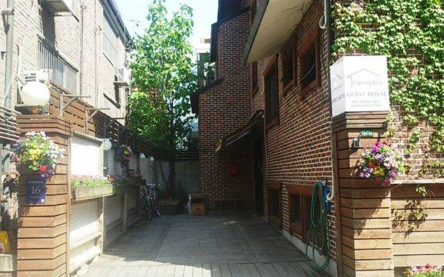 Отель Cheongdam Guest House вид на фасад
