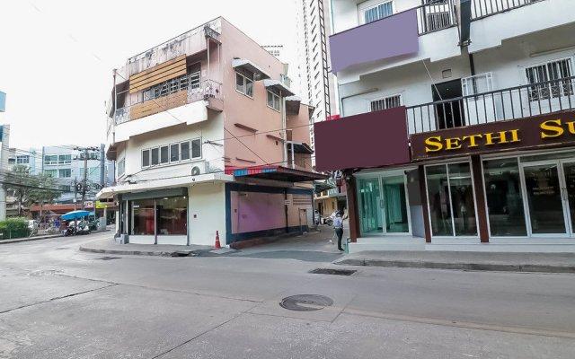 Отель Nida Rooms Khlong Toei 635 Gallery Бангкок вид на фасад