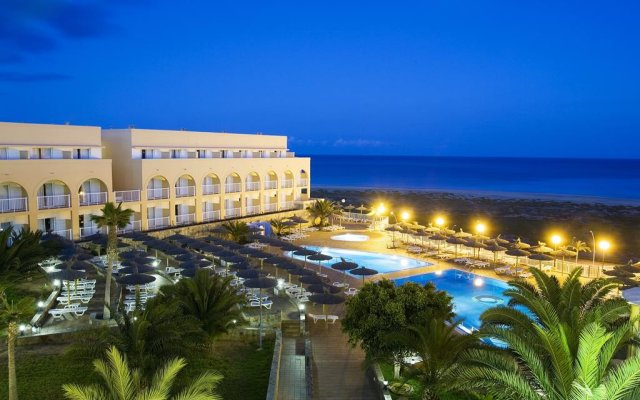 Отель SBH Maxorata Resort - All inclusive вид на фасад