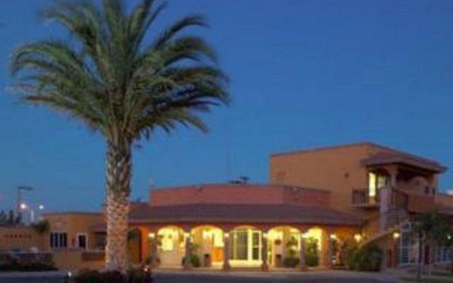 Отель Quinta Del Sol By Solmar Кабо-Сан-Лукас вид на фасад