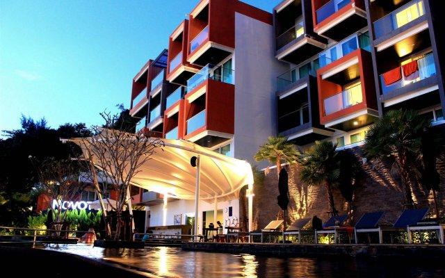 Отель Novotel Phuket Kamala Beach вид на фасад