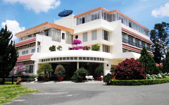 Отель Lavy Hotel Вьетнам, Далат - отзывы, цены и фото номеров - забронировать отель Lavy Hotel онлайн вид на фасад